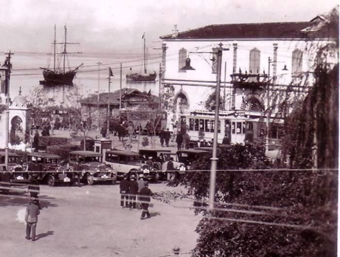 Konak Meydanı, 1940'lı yıllar.