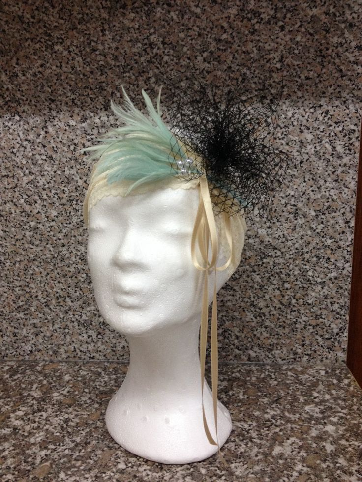 Hair band with feathers
