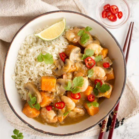 Add some zing to dinner with this easy-peasy Thai Green Prawn Curry. Requiring only 25 minutes. Try this delicious & healthy dish.