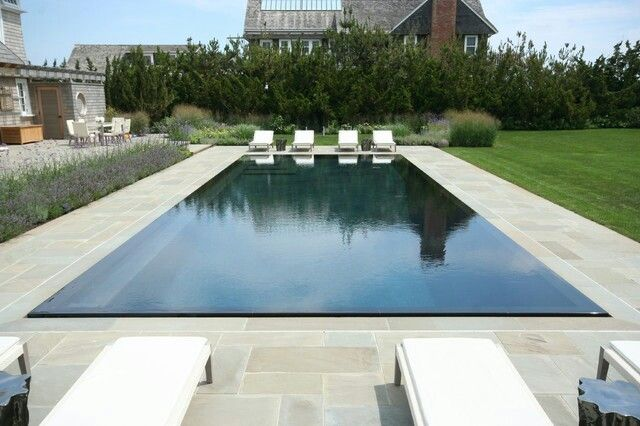 Obsessed with this Lautner Edge style pool. Looks like a mirror.