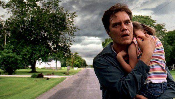 """Celebro la llegada de """"Take Shelter"""", segunda película de Jeff Nichols. Es esta una obra compleja y extraña sobre un cabeza de familia que comienza..."""