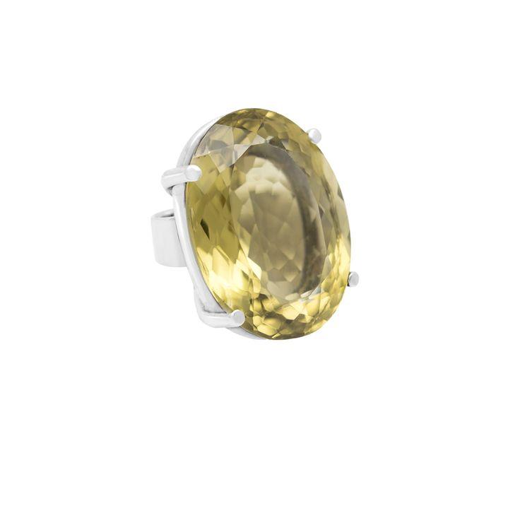 Anillo en plata 950 con topacio green gold  http://sarahkosta.com/producto/anillo-realizado-en-plata-950-con-topacio-green-gold-de-53-ct/
