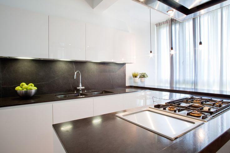 Oltre 25 fantastiche idee su cucina bianca lucida su - Cucina laccata bianca ...