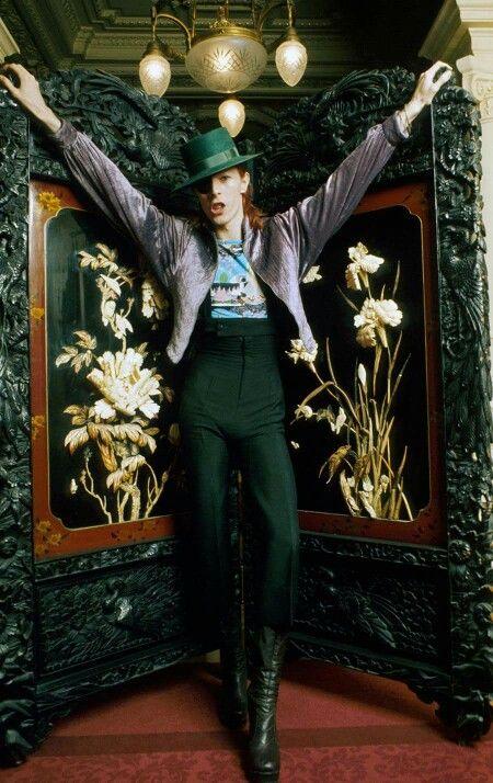 David Bowie 70s.                                                                                                                                                      Mais