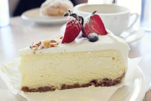 #cake #strawberry #whitechocolate