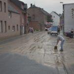 Grevenbroich– Schwere Unwetter zogen am Dienstagnachmittag, den 07.06.2016, über das Grevenbroicher Stadtgebiet. Regenmassen überfluteten Keller, Straßen und Unterführungen. Der Elsbachtunnel stand ca. 70 - 80 Zentimeter unter Wasser.  Die Düsseldorfer