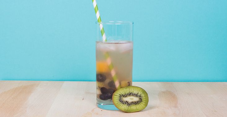 60 Healthy Cocktail Recipes: Fruit Mojito