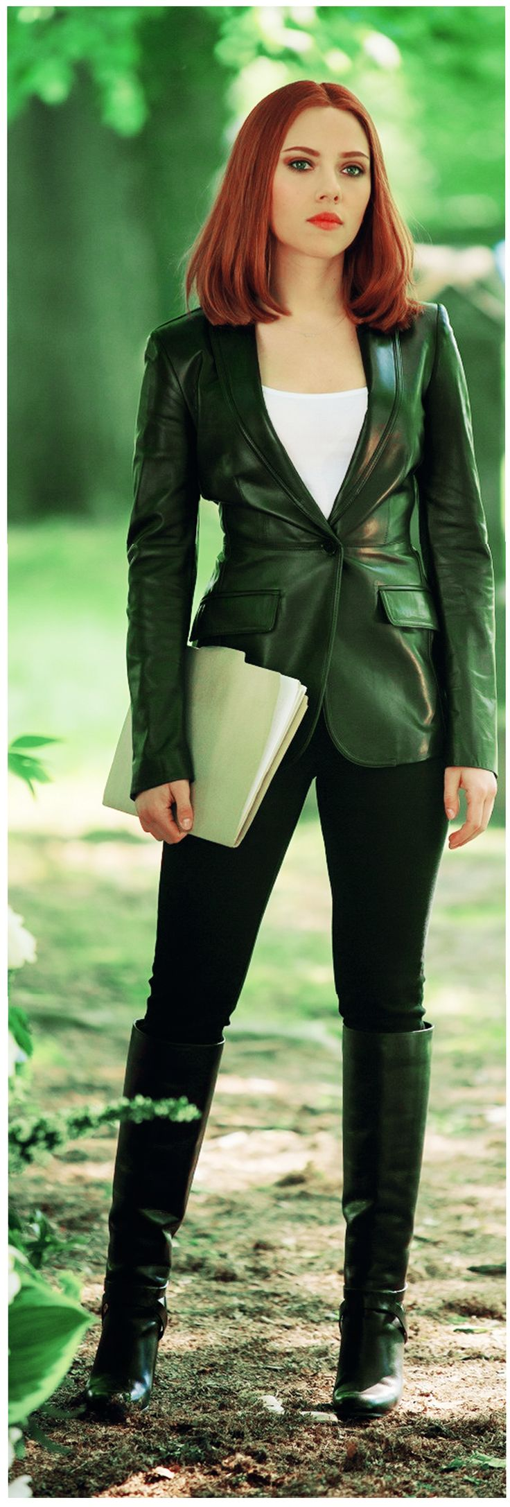Gorgeous Natasha Romanoff: Scarlett Johansson
