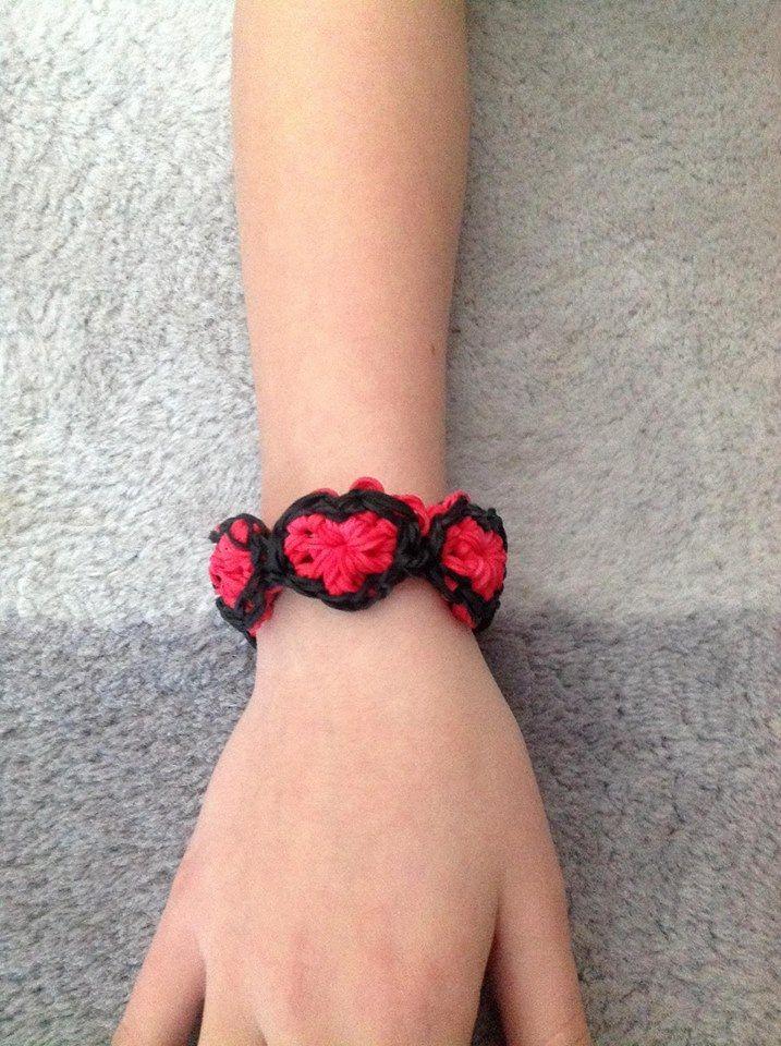 Valentine Bracelets Justin Toys : Heart bracelet on the rainbow loom loomed by nicole