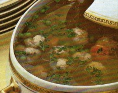 Hovězí polévka s masovými knedlíčky / Beef soup with meat balls