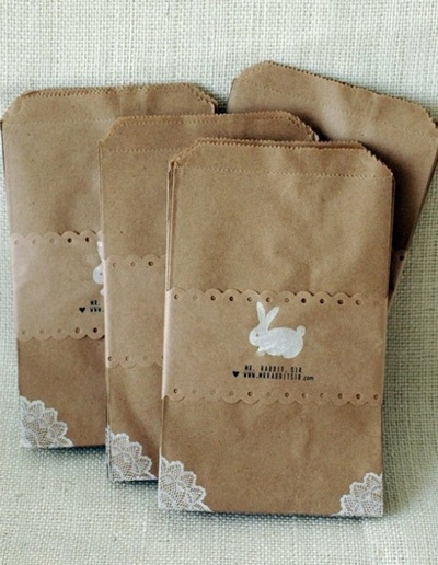 brown bags with lace corners