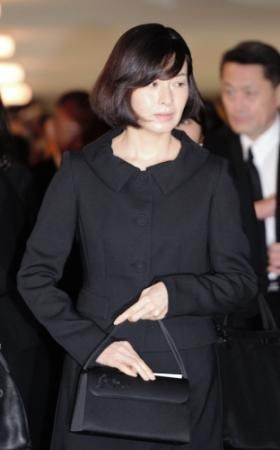 坂東三津五郎さんの葬儀に参列した檀れい=東京・青山葬儀所(撮影・開出 牧)