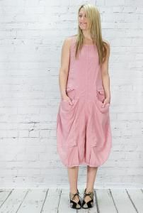 Sleeveless tulip shape #dress, with feature pockets to front. 95% #linen 5% elastane. Washable