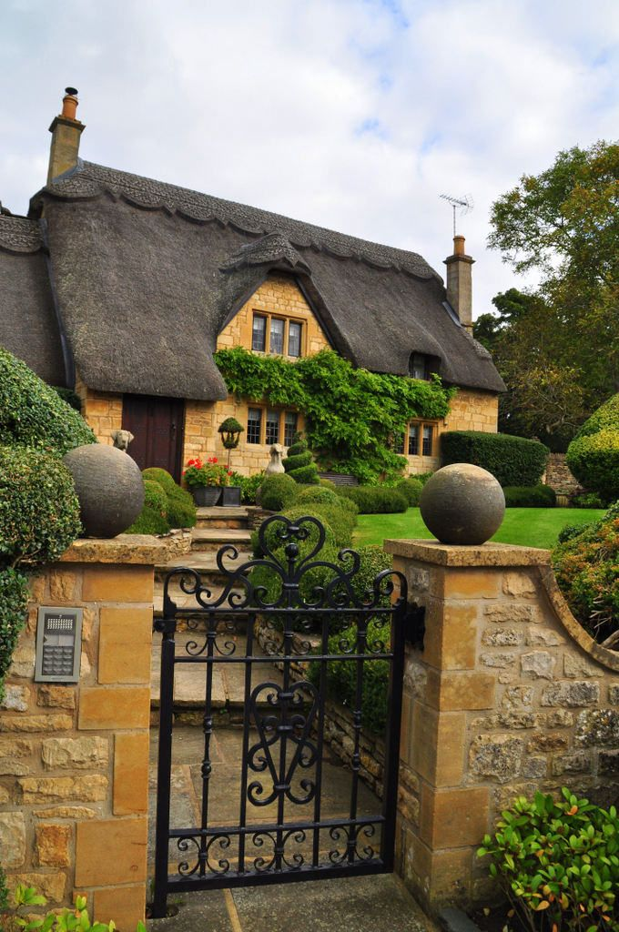 English cottage in Chipping Campden, Gloucestershire, England by mcgrath.dominic on Flickr