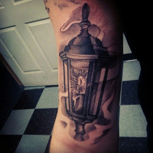 tatuagem de lanterna