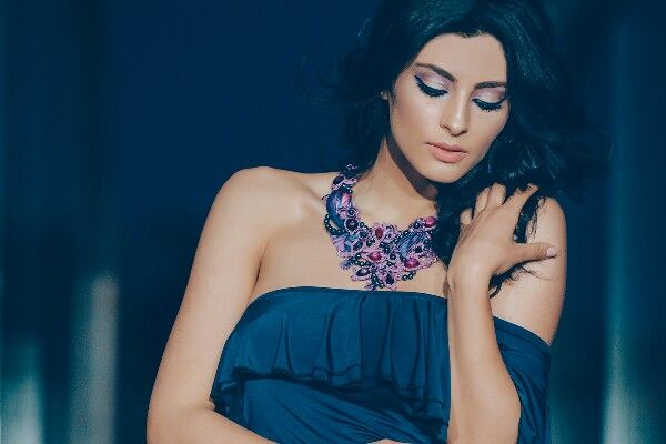 Make up Delia Stamate  Necklace: Alina Emandi Foto:George Mihes