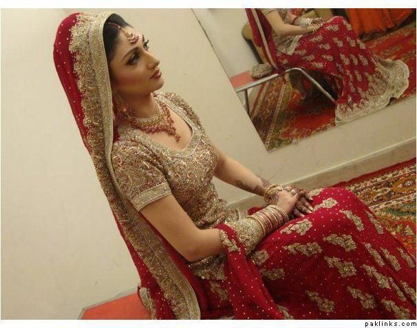 Red And Beige / Gold Pakistani Wedding Dress With Heavy