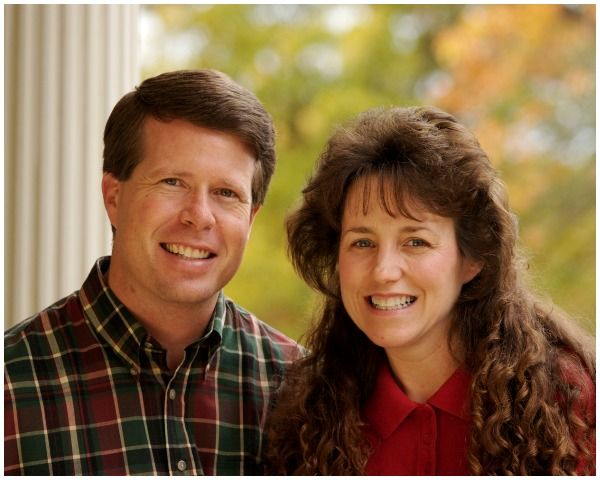 Jim Bob And Michelle Duggar Divorce Due To Bad Publicity & Money? - http://www.morningledger.com/jim-bob-and-michelle-duggar-divorce-due-to-bad-publicity-money/13101609/