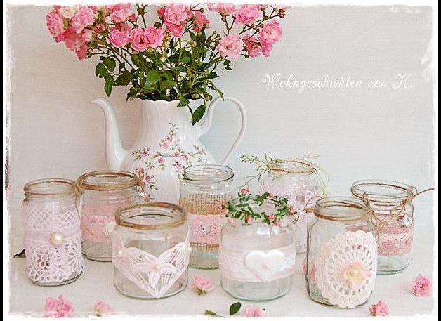 Neun Windlichter für die Tischdeko zur Hochzeit im Vintage- und Shabbystil.   Ich biete hier aus alten Gläsern dekorierte Windlichter an, die auch sehr gut als Vase genutzt werden können. Jedes...