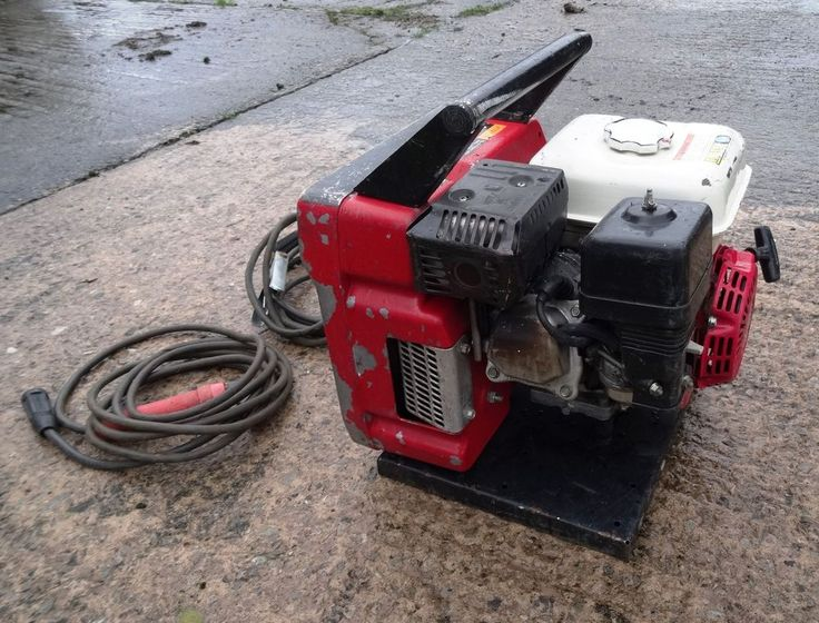 "Musa Magic Weld  Portable petrol Generator Welder   MUSA MAGIC WELD  For sale petrol welder with 110v ideal for 9"" angle grinder.   earth & welder cables 4.8m or 16' long.  The 6.5hp Honda petrol motor has had new spark plug and air filter fitted a year ago.  Welder starts first time and has been trouble free.  Ideal for one man to lift.  Engine : 6.5hp Honda petrol  welder : Magic Weld  kw : 1.5  v : 1.5  I  : 136A   Mosa Magic Petrol Portable Welder Generator, Honda 6.5hp, 110v, used"