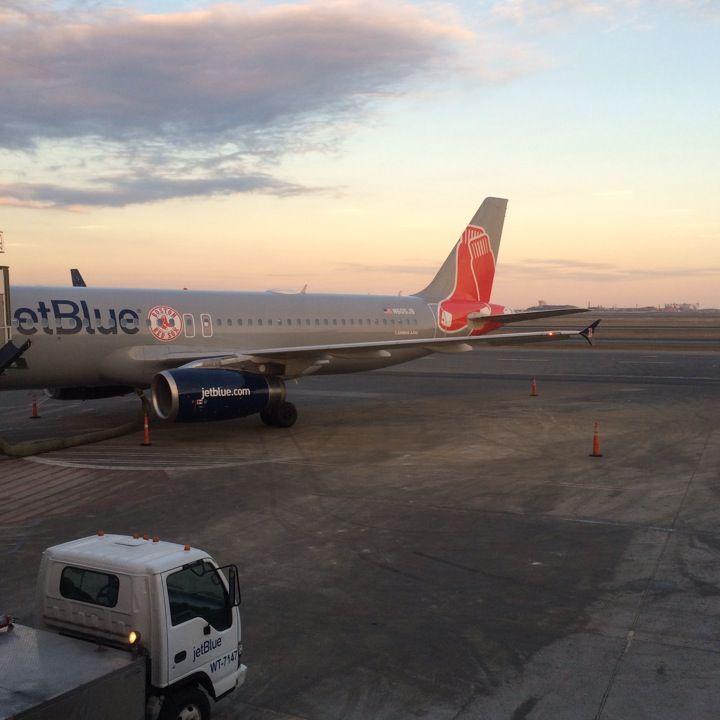 Boston Logan International Airport (BOS)