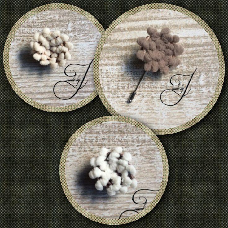 Comfy lapel flowers op steekpin en op knoop. Warme tinten. Te vinden bij www.madebyj.nl Ook op facebook www.facebook.com/MadebyJ.info