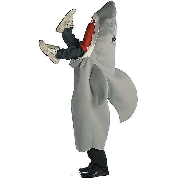 Si quieres un #disfraz #divertido para este #Halloween, este disfraz de un hombre comido por tiburón será la sensación de la #fiesta.