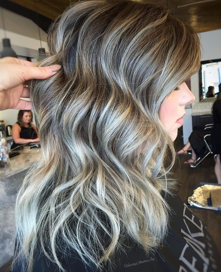 Grey brown hair improves when you divide the two shades as the main color and highlights. You can add thin white highlights for brightness.