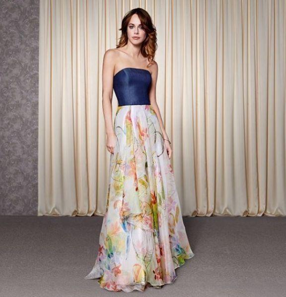 #カラードレス #ウェディングドレス #フラワープリント #花柄