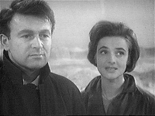 From the archives of the Timelords Born 19 November 1924 William Russell portrayed schoolteacher Ian Chesterton from the beginning of the series through the end of The Chase (1965).  Age during show: An Unearthly Child 39 years .. The Chase 40 years 2002 birthday: 78th Real name: Russell Enoch