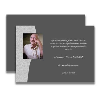 Carte de deuil neutre pour remercier après un décès. La photo de la personne défunte sera particulièrement mise en valeur sur un fond gris avec découpe gris granit.