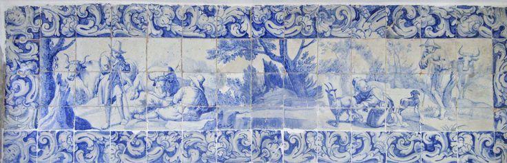 VÍTOR SERRÃO - Cascais   Casa de / House of Santa Maria #Azulejo #AzulEBranco #BlueAndWhite