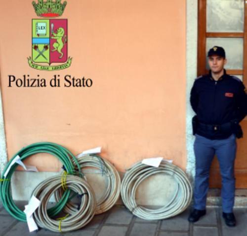 Veneto: Va a #funghi in una boscaglia rinviene 160 chili di cavi elettrici rubati dai malviventi (link: http://ift.tt/2dcFvhj )
