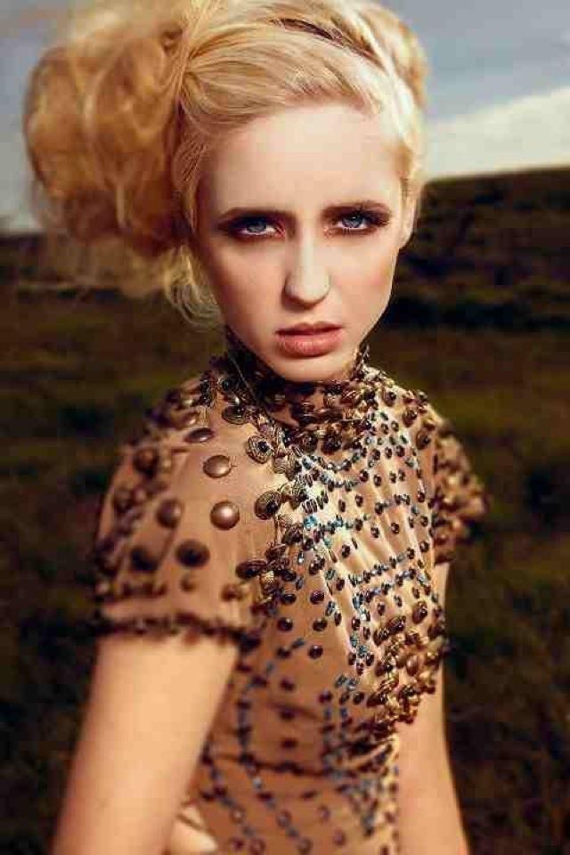 Burnished eyes #makeup #editorial #fashion #FarhanaHennaMUA www.farhana.co.uk