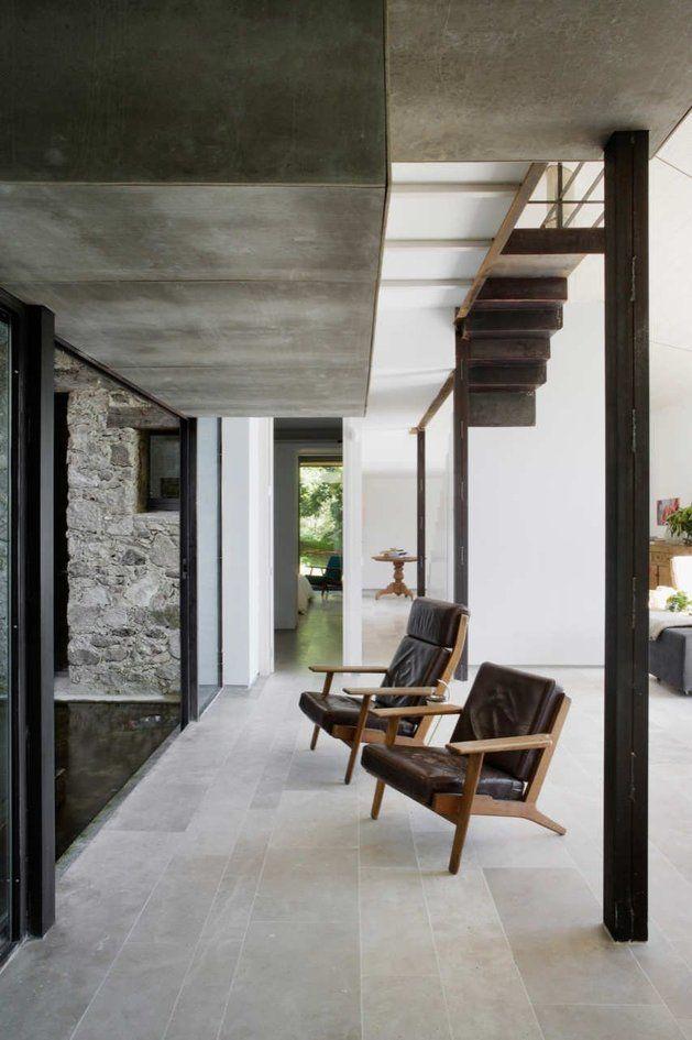 Mooie grijze hardsteen vloertegels in een Spaanse villa | Nibo Stone | www.nibostone.nl