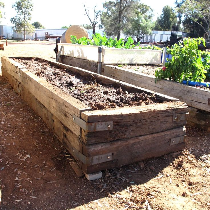 Raised Garden Bed Construction: Building Raised Garden Beds With Railroad Ties In Meg39s