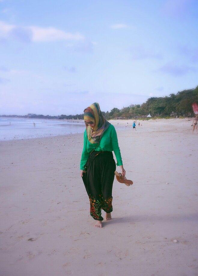 Hijab Style in Jimbaran Beach, Bali - Indonesia ♥