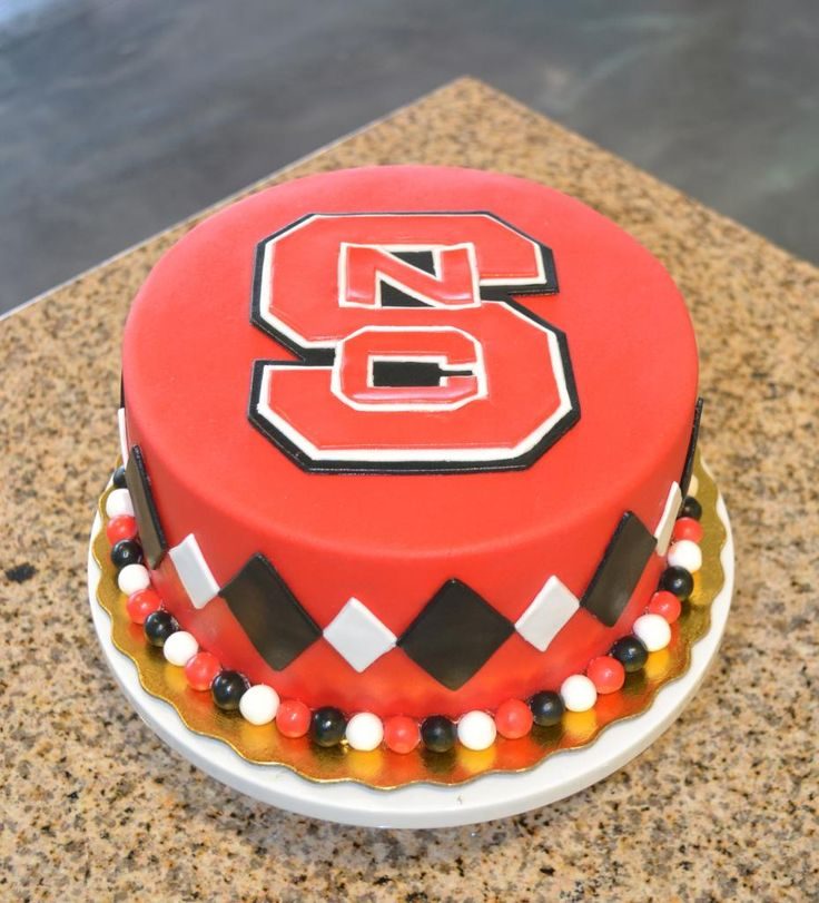 Wolfpack Cakes