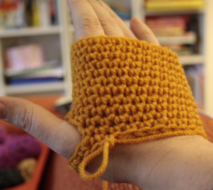 Crochet Mittens - Tutorial