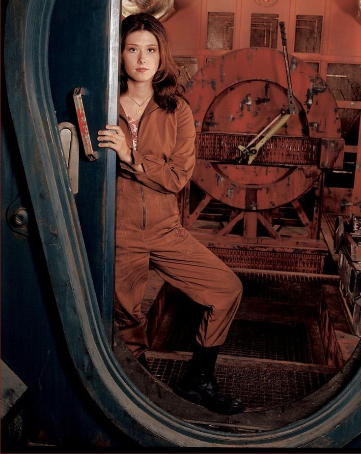 * Firefly & Serenity Photos – Female Characters & Actresses: Jewel Staite, Summer Glau, Morena Baccarin, Gina Torres // Jewel Staite as Kaylee Frye shown