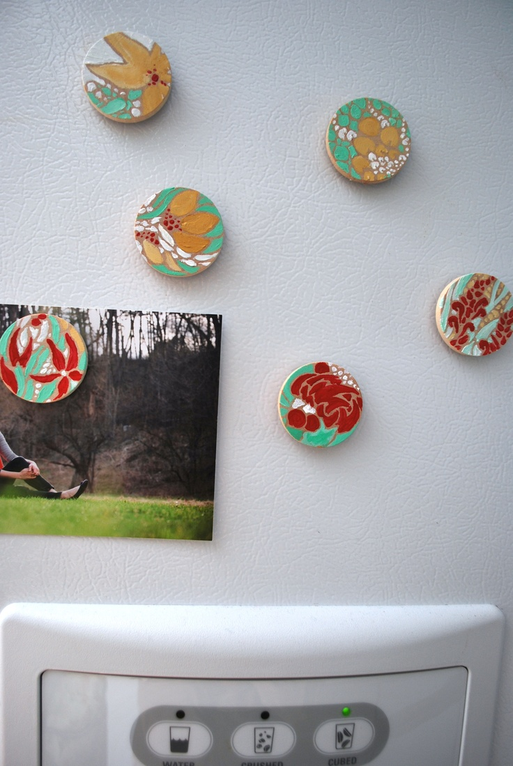 Paint for wood crafts - I Hand Painted These Magnets To Match The Kitchen They Were Made From Little Wooden Circles Glued To Magnet Bars