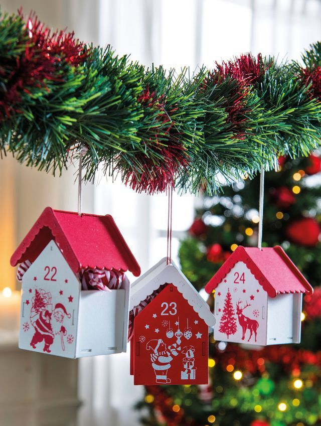 Christmas Decoration: we say yes to white and red fir!