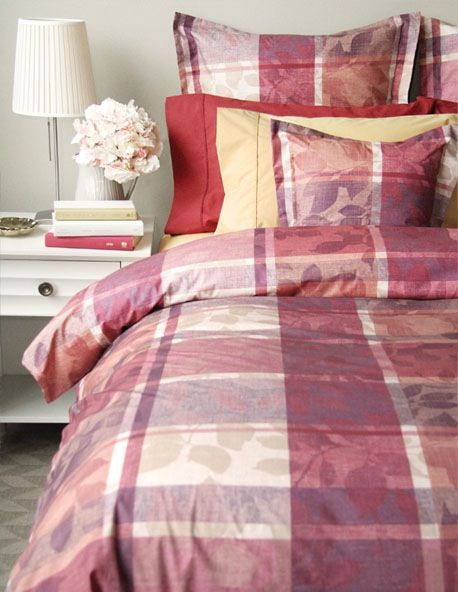 Sarah 220 TC Percale by Cuddle Down Canada