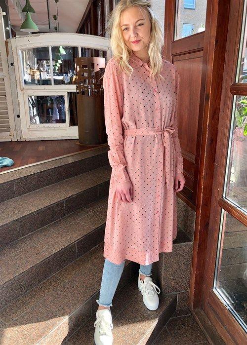 1a579036 Samuelle kjole Rosa Lovechild i 2019 | 2019 | Gul kjole, Kjole og ...