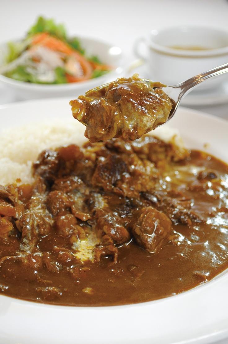 青森国際ホテル 「Cafe Kukka」 ビーフカレー 奥深い味わいとフルーティーな甘味多くの方に愛される特製カレー