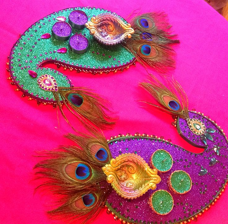 Beautiful hand made peacock mehndi plates. See my Facebook page www.facebook.com/mehnditraysforfun For more ideas and inspiration