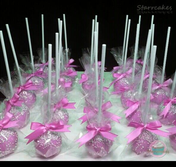 Pink Cakepop favours by www.starrcakes.com
