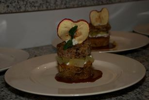 Appelcaramel taartje met een appel chipje
