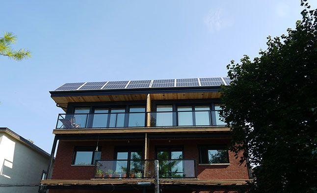 panneaux solaire sur le toit
