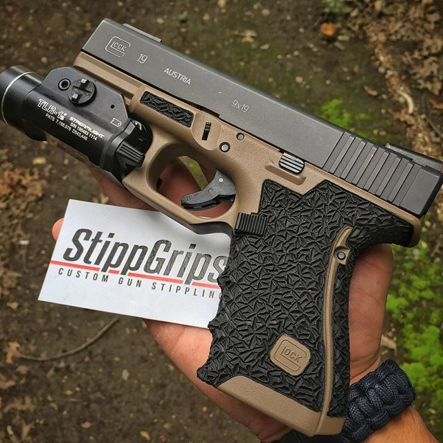 TWO TONED GLOCK 19 ➡️STIPPGRIPS@GMAIL.COM⬅️ ⤴️⤴️⤴️⤴️⤴️⤴️⤴️⤴️ GLOCK 19 CERAKOTED…